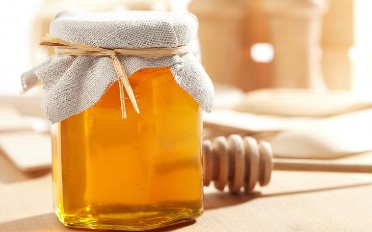 Dùng lọ Thủy tinh để bảo quản mật ong