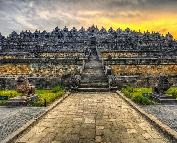 Ngôi đền Borobudur - Ngôi đền Phật giáo lớn nhất thế giới