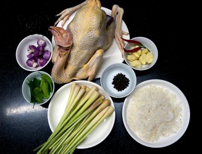 Nguyên liệu làm món gà hấp muối