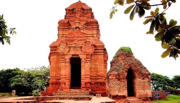 Tháp Chăm nổi tiếng tại Phan Thiết - Bình Thuận