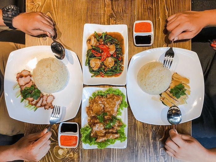 Thưởng thức ẩm thực khi đi du lịch Singapore