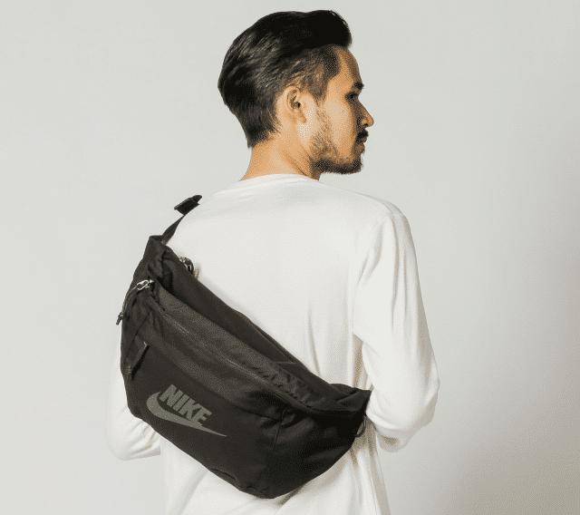 Túi đeo chéo cũng là mẫu túi đi du lịch tiện dụng