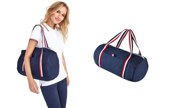 Túi trống là mẫu túi du lịch rất được ưa chuộng hiện nay