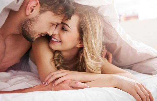 Yêu thường xuyên hơn làm tăng khả năng sinh lý của đàn ông